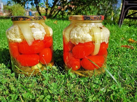 Маринованное ассорти: огурцы, помидоры, цветная капуста