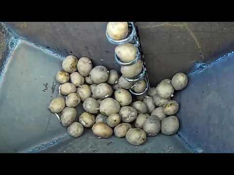 Самодельная картофелесажалка для самодельного минитрактора. Часть 1.
