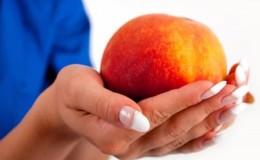 Польза и вред персиков для женщин