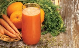 Полезен ли морковный сок для печени и как его правильно употреблять