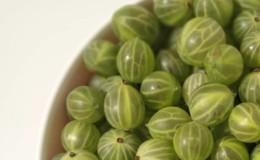 Насколько калорийны «царские ягоды» и можно ли есть крыжовник при похудении?