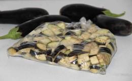 Как заморозить баклажаны на зиму свежими в домашних условиях, и что из них приготовить