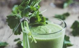 Как принимать сок петрушки: польза и вред для организма человека
