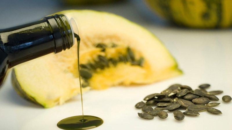 Тыквенное масло – полезные свойства и противопоказания