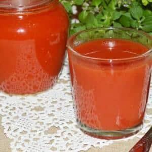 Новинка от селекционеров, успевшая полюбиться огородникам - томат {amp}quot;Шоколадное чудо{amp}quot;: отзывы и фото урожая