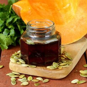 Как принимать тыквенное масло: польза и вред для организма, инструкция по применению для различных целей