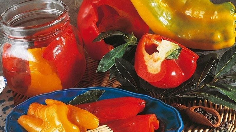 Как приготовить маринованный перец в масле на зиму: простые рецепты от опытных домохозяек