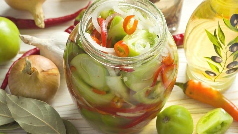 Как приготовить самые вкусные зелёные помидоры на зиму: подборка лучших рецептов