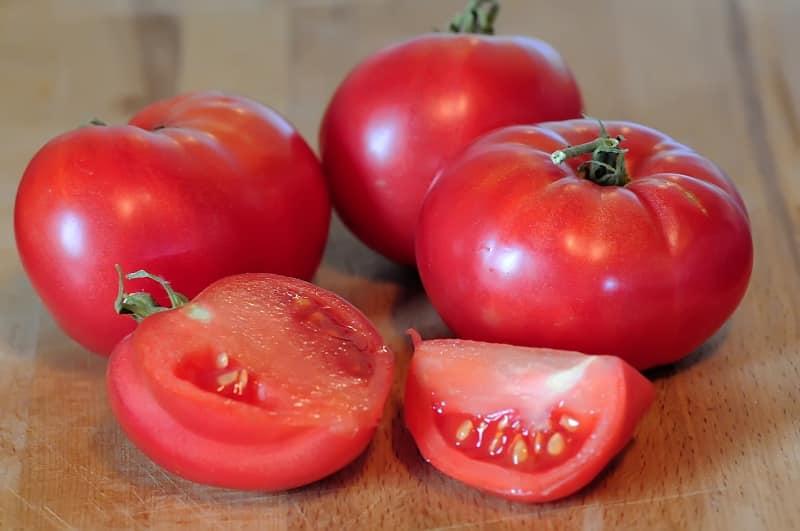 Сладкий, мясистый и неприхотливый в уходе томат {amp}quot;Сенсей{amp}quot; - описание агротехники и советы опытных дачников
