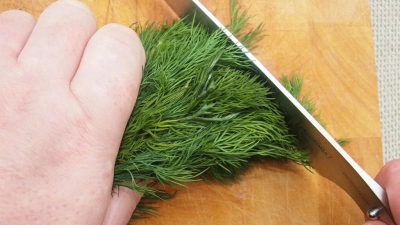 Как правильно сушить укроп в домашних условиях и где его хранить
