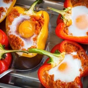 """Особенности салатного сорта перца """"Бугай"""" и секреты его правильного выращивания"""