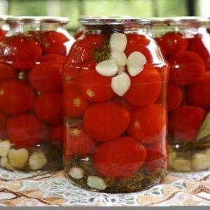 """Мясистый, вкусный и очень ароматный томат """"Данко"""": получаем богатый стабильный урожай"""