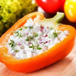 """Крупный и сладкий сорт перца """"Биг герл"""": отзывы дачников и их секреты выращивания"""