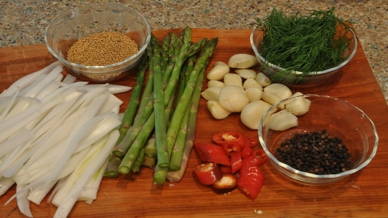 Как быстро и вкусно приготовить консервированную спаржу: лучшие рецепты