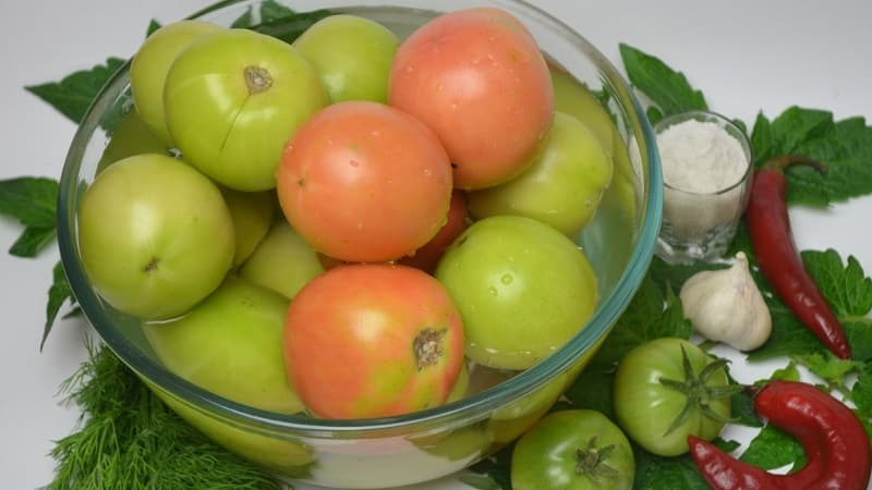 Как приготовить вкуснейшие маринованные помидоры на зиму: подборка лучших рецептов от опытных домохозяек