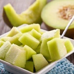 Сколько дыни можно съесть в день: нормы потребления, полезные свойства и калорийность