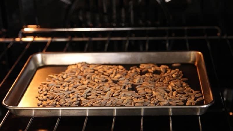Тыквенные семечки в домашних условиях: как правильно сушить?