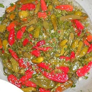 Лучшие способы заготовки горького перца на зиму: рецепты консервации и засушивания жгучей приправы