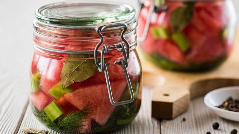 Простые и быстрые рецепты на зиму: маринованные арбузы в 3 литровых банках
