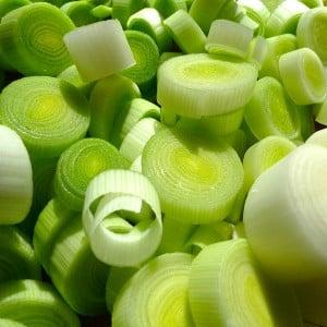 Как приготовить маринованный лук порей: лучшие рецепты