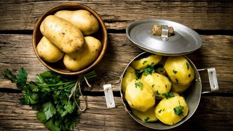Бывает ли понос или запор от картошки и можно ли ее есть в таких случаях