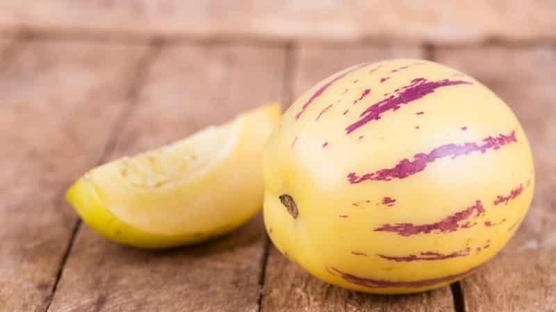 Почему дыня внутри розовая и можно ли её есть