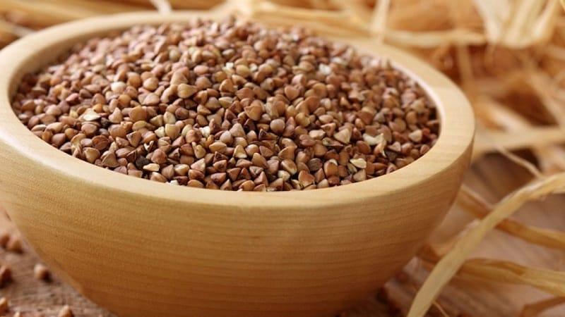 Полезные свойства и калорийность запаренной кипятком гречки