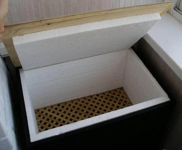 Ящик для хранения овощей на балконе зимой