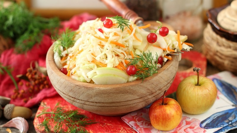 Потрясающая маринованная кисло-сладкая капуста: пошаговые рецепты