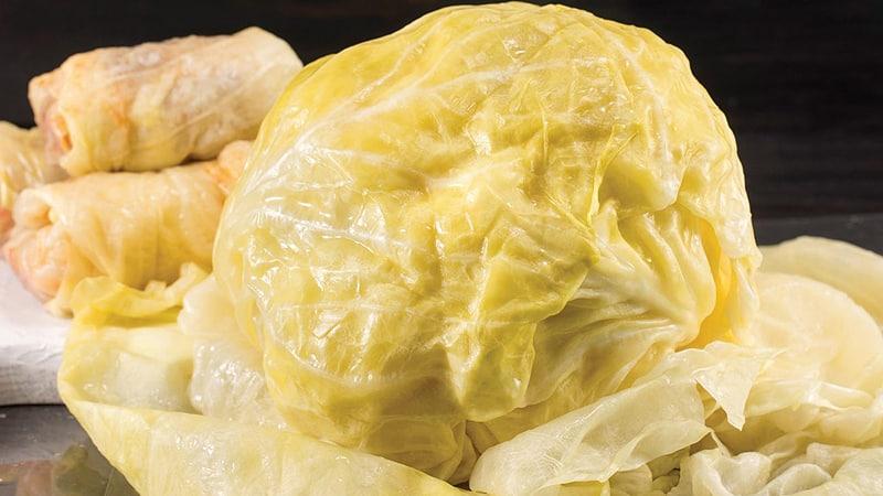 Как правильно заквасить капусту кочанами: пошаговая инструкция и варианты рецептуры