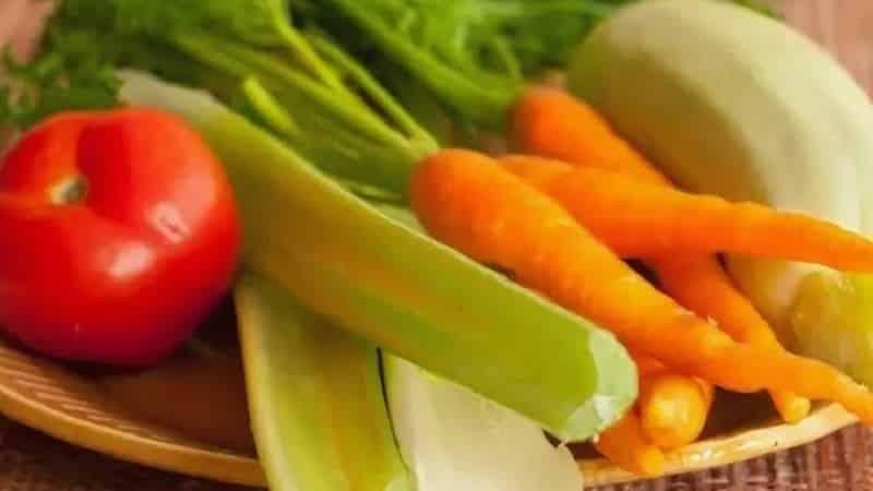 Лучшие рецепты заготовок из черешкового сельдерея на зиму