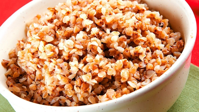 Как хранить вареную гречку и рис: можно ли их замораживать