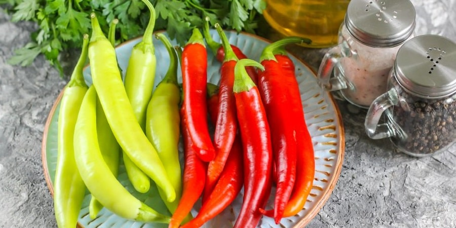 Как вкусно заготовить перец Цицак на зиму: лучшие рецепты и рекомендации опытных домохозяек