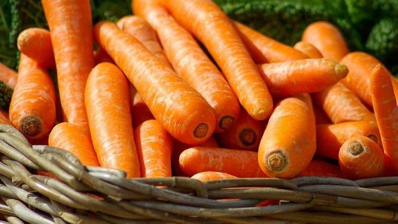 Сколько калорий в средней морковке