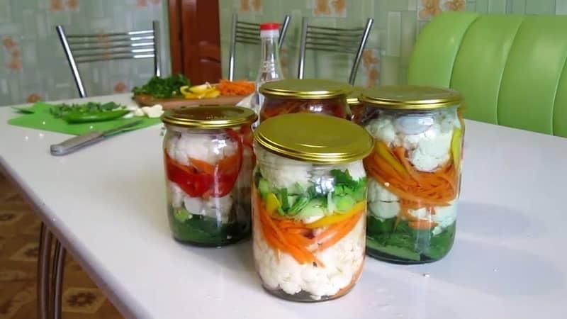 Подборка самых вкусных рецептов салата из цветной капусты на зиму в банках - съедаются моментально