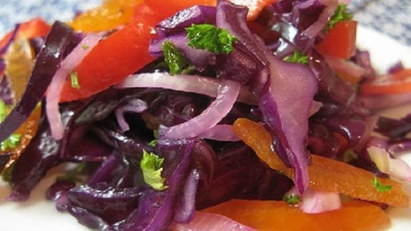 Самые вкусные рецепты маринованной краснокочанной капусты на зиму