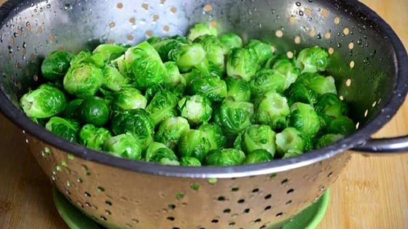 В каком виде и как правильно заморозить брюссельскую капусту на зиму в морозилке