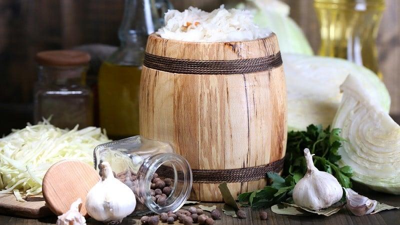 В какой посуде лучше всего солить капусту