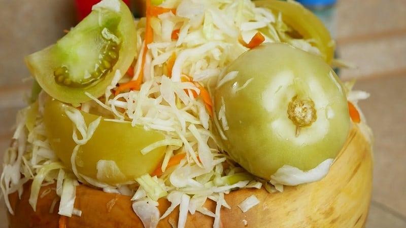Заготавливаем квашеную капусту под железную крышку по лучшим рецептам
