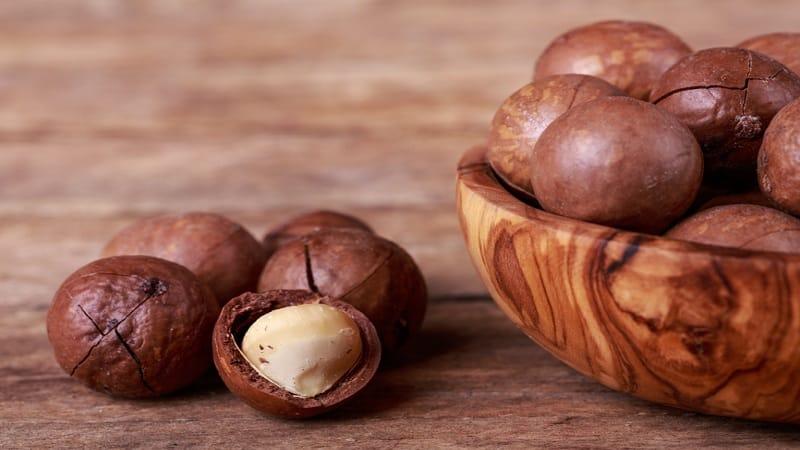 Чем полезен и вреден орех макадамия для женщин: состав, применение, отзывы