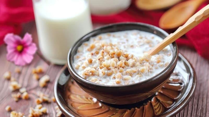 Калорийность и БЖУ вареной гречки с молоком