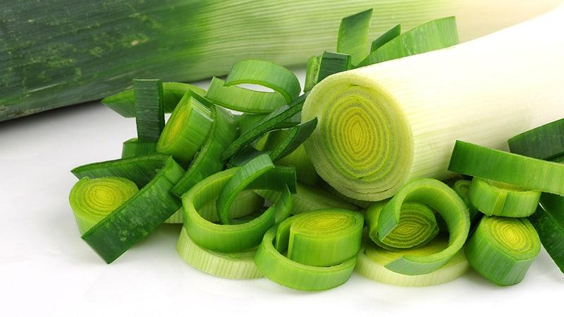 Как правильно хранить лук порей после уборки урожая