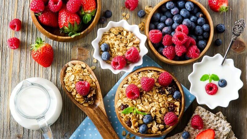Малина: полезные свойства ягоды и возможный вред