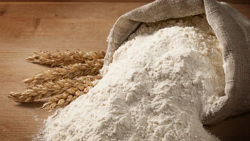 Как делается мука из цельносмолотого зерна пшеницы и куда её применяют