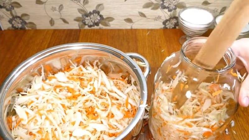 Почему нельзя солить и квасить капусту в алюминиевой таре