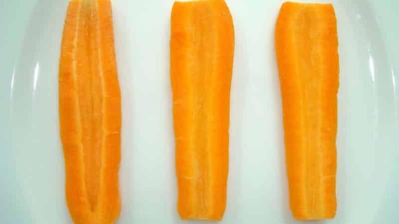 Почему морковь желтая а не оранжевая