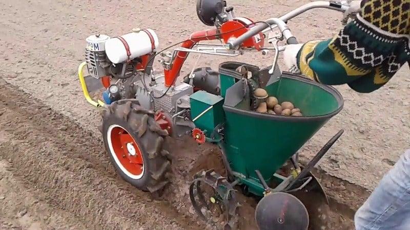 Как сделать картофелесажалку для минитрактора своими руками