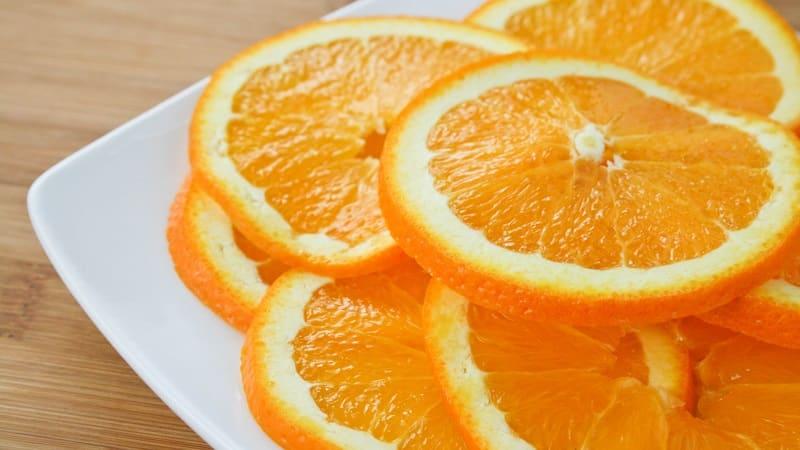Полезный перекус перед сном: можно ли есть апельсины на ночь