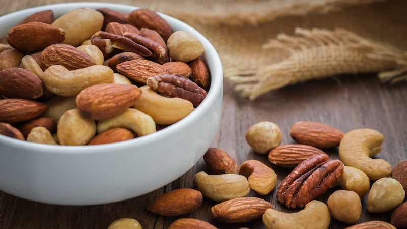 Помогают ли орехи при похудении