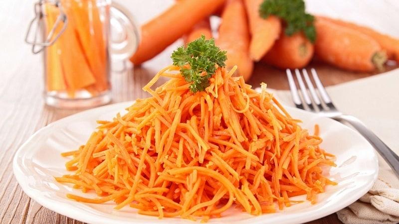 Полезные свойства тертой моркови со сметаной